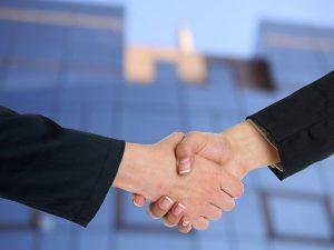 סגירת עסקת נדלן בין קונה למוכר בצורה מוצלחת