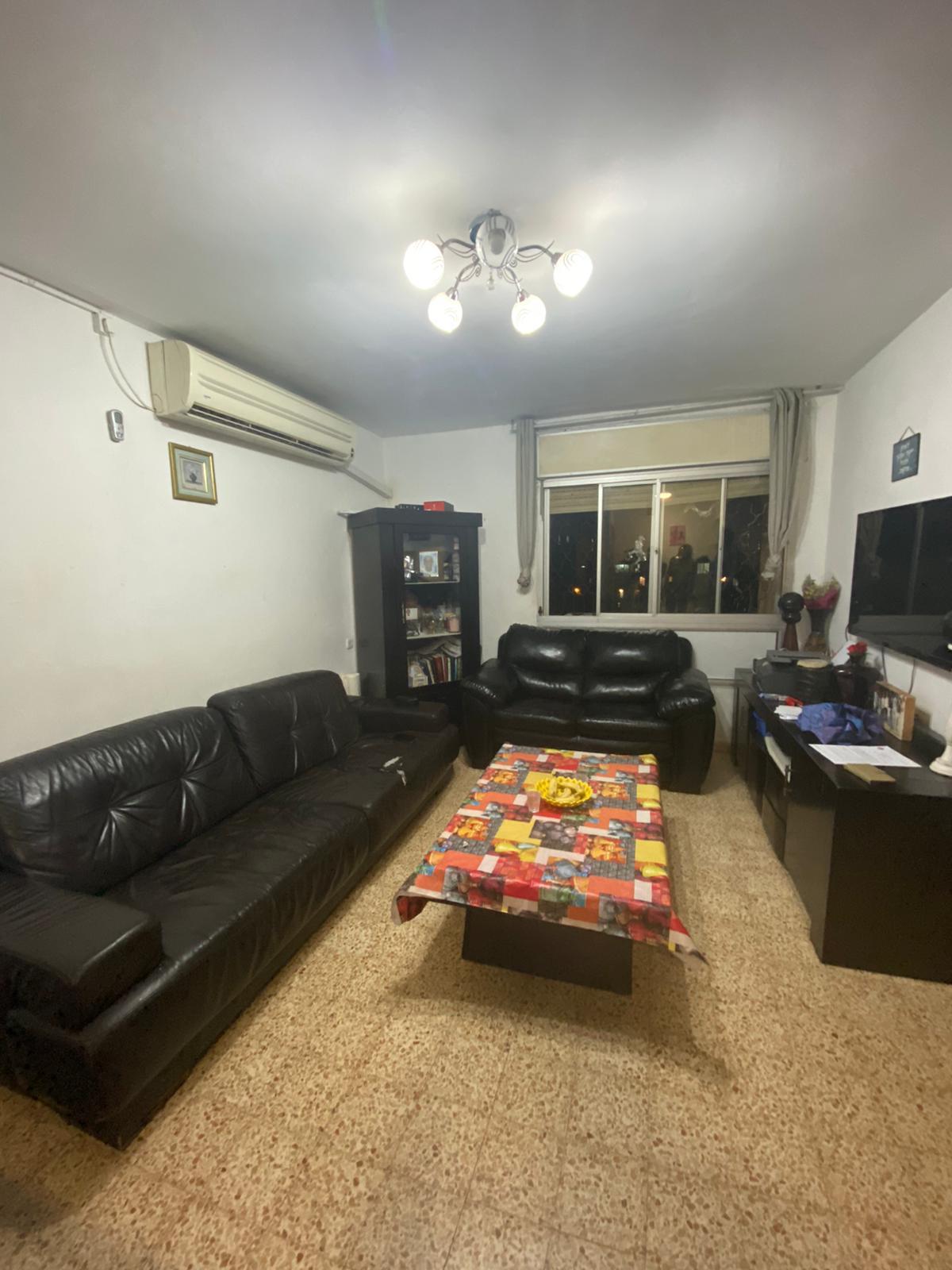 דירת 3 חדרים למכירה בגולדה מאיר