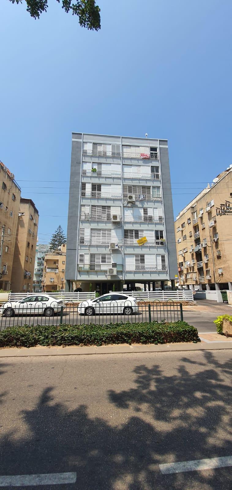 דירת גג 4 חדרים, רחוב פתח תקווה, מרכז העיר