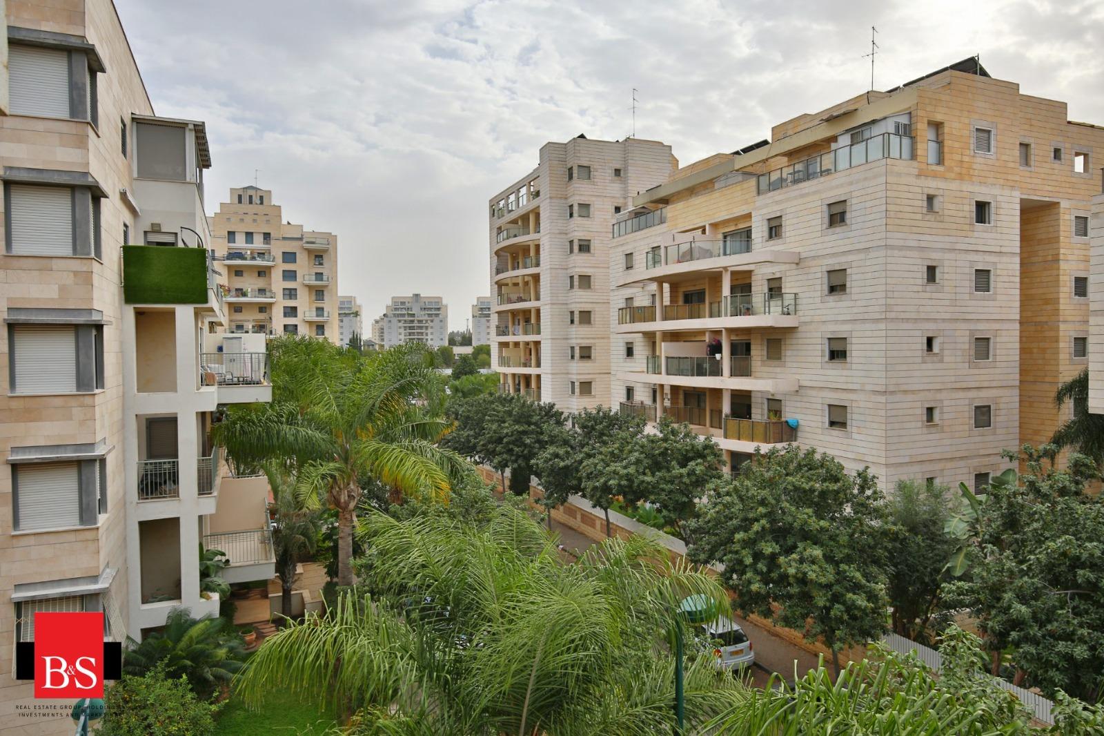 דירת 4 חדרים, רחוב שבטי ישראל, קרית השרון