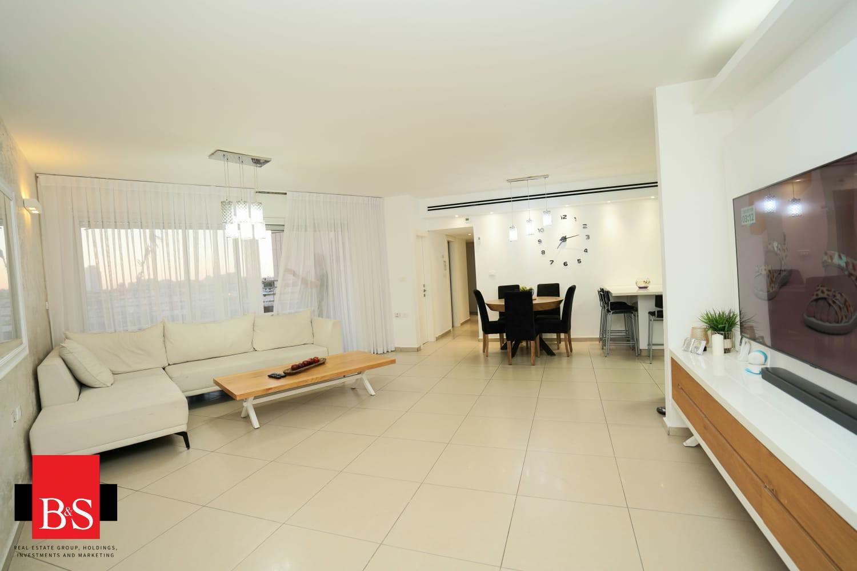 דירת 4.5 חד', הארי 39 , שכונת רמת חן ובן ציון, נתניה